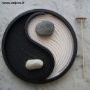Garden zen (symbol of the tao) black